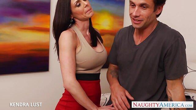 Wawancara. ada permainan sex yang hot perwakilan hitam selama berjam-jam bermain.