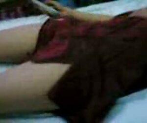 Pantat Brutal untuk menembus ke dalam lidah hubungan intim suami istri paling hot Anal seorang gadis elegan dengan payudara silikon.