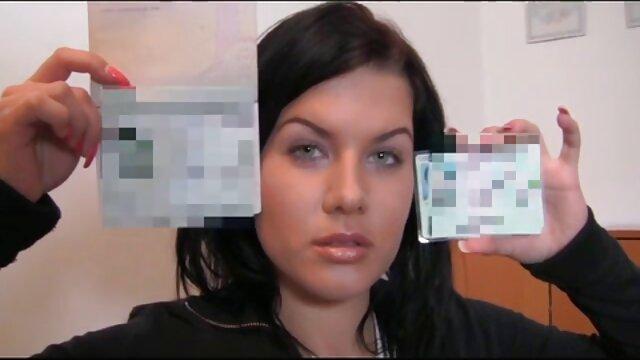 Gadis berhubungan intim hot porno, atlet, kotoran di kamar mandi dengan susu