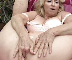Lingerie membuat gaya Giri Menjilat posisi Pussy gunting wanita hot seks