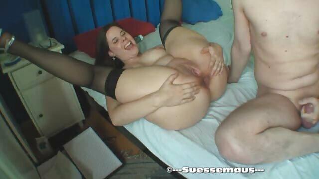 Valerie Brown menjadi cara bercinta yg hot pasangan sex.