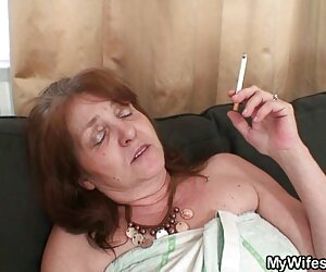 Masturbasi hubungan intim panas dengan vibrator