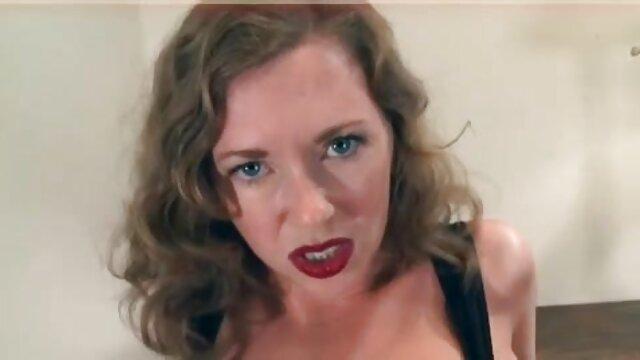 Setelah berhubungan seks, aku tidak peduli tentang film telepon berhubungan sex hot istrimu.