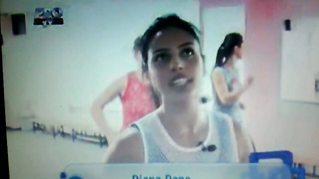 Alex Diaz sexy langkah di depan cermin sex wanita hot