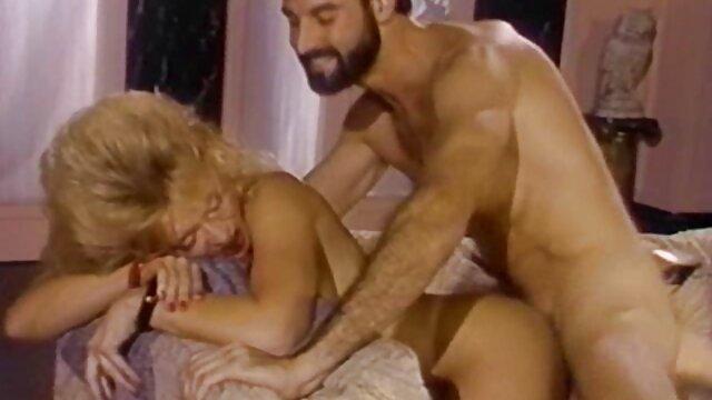Sexy Lucia Love sex panas di ranjang Angels pink pussy