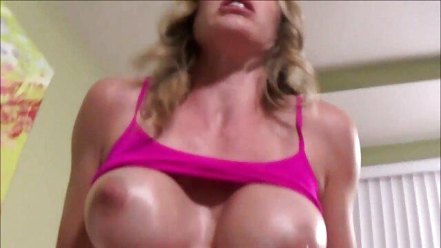 Cum sendok hubungan sex hot di depan pribadinya