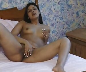 Bbw Starr berada di perutnya, sementara dia keluar di sex paling hot tempat terbuka.
