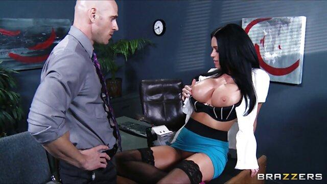 Porno 3D dengan gadis pirang bernama hubungan sex yg hot Lexi Belle