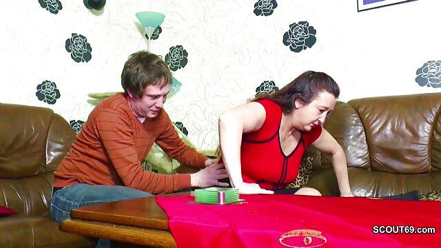 Seorang wanita dengan cantik pirang hot sex wanita hamil setuju untuk menembak porno suami buatan sendiri.