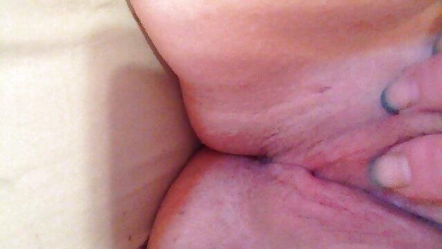 Suami sek yang paling hot pertempuran istrinya, mencukur, Inggris dalam Orgasme