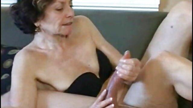 Direktur fuck sekretaris kantor hot sex malam pertama di stoking
