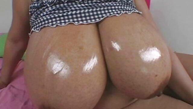 Pada seluruh, payudara besar Jepang, adalah kelompok di hubungan sex panas toko.