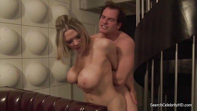 Brown, seks di bercinta yang paling hot kerumunan, di apartemen sewaan