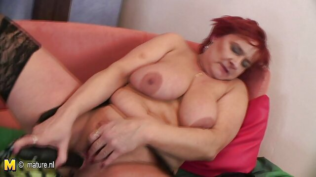 Dane Jones redhead, brown, Rusia berhubungan intim yang hot berhubungan seks dengan kekasihnya.