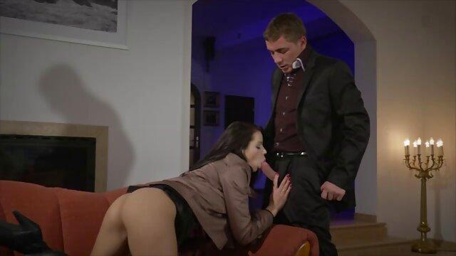 Dee dalam permainan sex hot hubungan dengan suami saya.